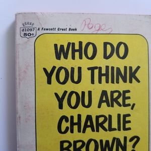 Peanuts Other - 💚Who do you think you are Charlie Brown ? book